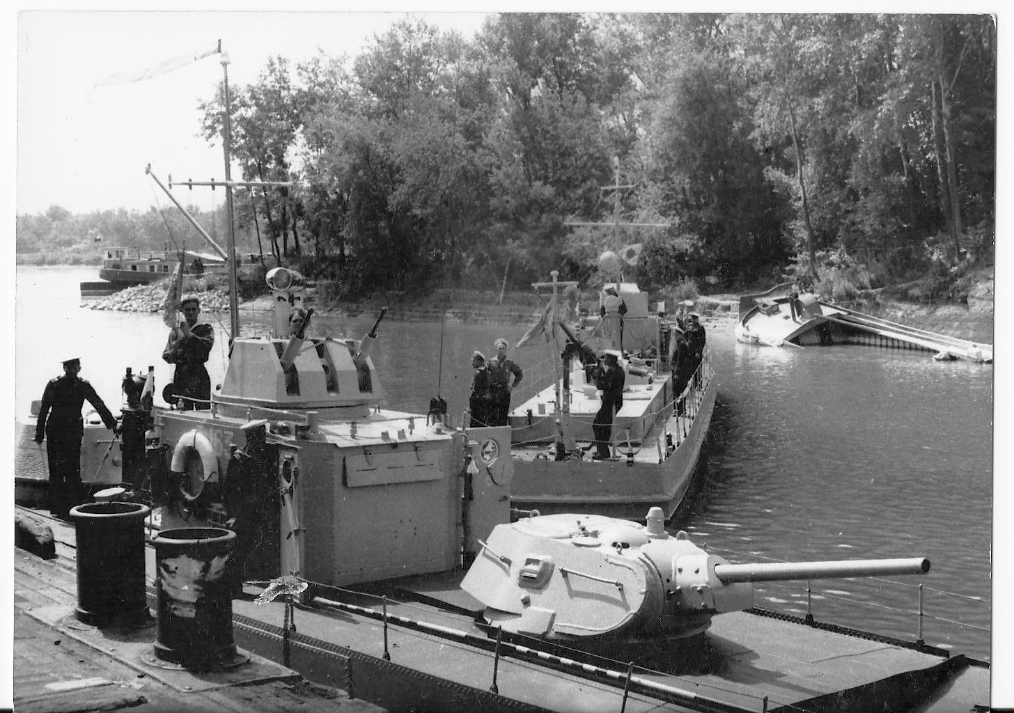 москитный флот речной вооруженный военный артиллерийский катер ВМВ