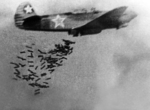 photo WWII Jak-9B Jakowlew einsitziges und einmotoriges Jagdflugzeug