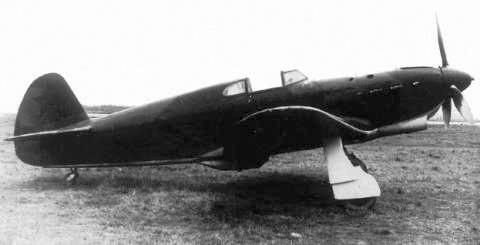 Як-1 - советский одномоторный самолёт-истребитель Великой Отечественной войны.