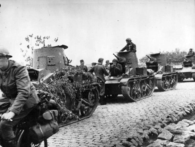 http://www.wio.ru/tank/for3/t15-1940.jpg